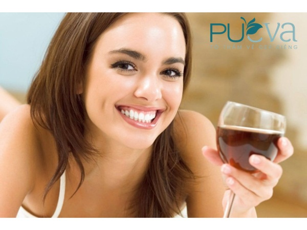 bổ sung nội tiết tố nữ từ rượu vang đỏ